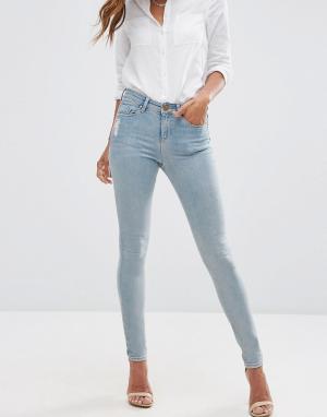 ASOS Голубые джинсы скинни с классической талией и потертостями LISBON. Цвет: синий