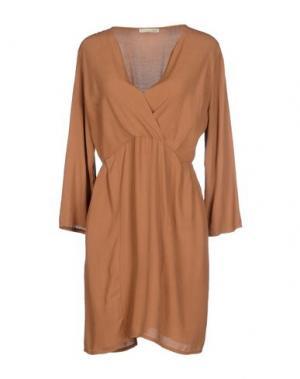 Короткое платье NINA New York. Цвет: верблюжий