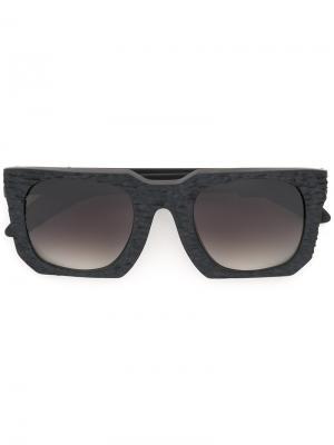 Солнцезащитные очки с угловатой оправой Kuboraum. Цвет: чёрный
