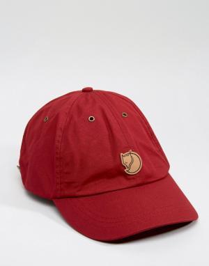 Fjallraven Красная кепка Helags. Цвет: красный