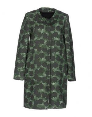 Пальто LAURA URBINATI. Цвет: зеленый