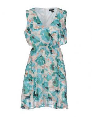 Короткое платье CUTIE. Цвет: зеленый