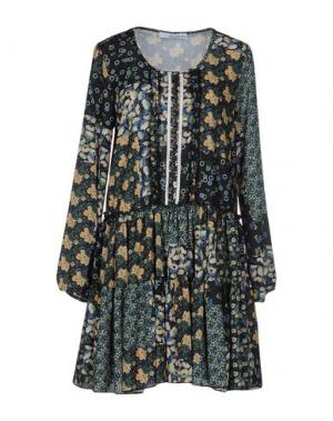 Короткое платье CHILI PEPPERS. Цвет: зеленый