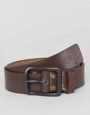 Dickies Коричневый кожаный ремень Helmsburg. Цвет: коричневый