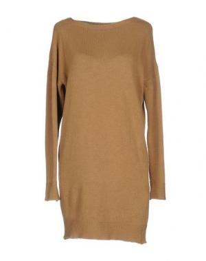 Короткое платье CHILI PEPPERS. Цвет: верблюжий