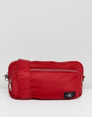 Calvin Klein Нейлоновая сумка через плечо. Цвет: красный