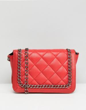 ASOS Стеганая сумка через плечо с ремешком-цепочкой. Цвет: красный
