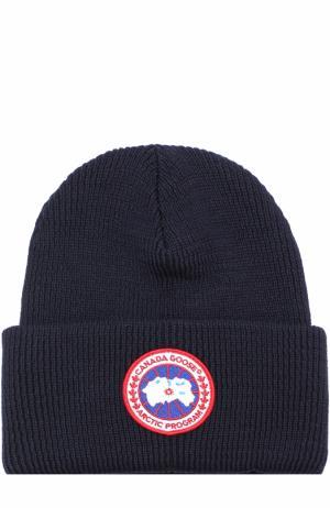 Шерстяная вязаная шапка с логотипом бренда Canada Goose. Цвет: темно-синий