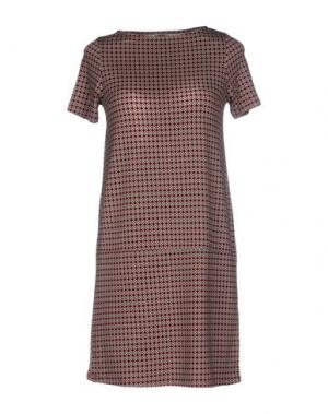 Короткое платье SIYU. Цвет: кирпично-красный