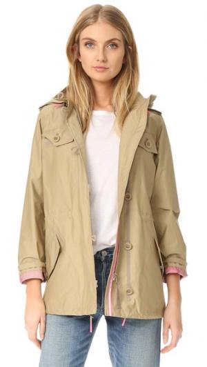 Оригинальная практичная куртка Hunter Boots. Цвет: зеленый лен