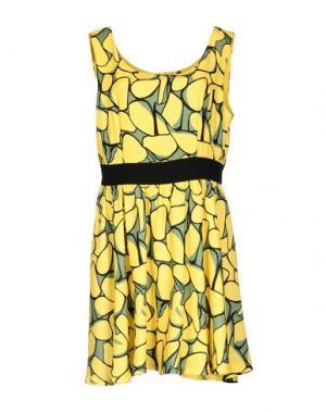 Короткое платье FLY GIRL. Цвет: желтый