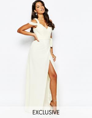 Forever Unique Платье макси с вырезом сердечком и открытыми плечами. Цвет: кремовый