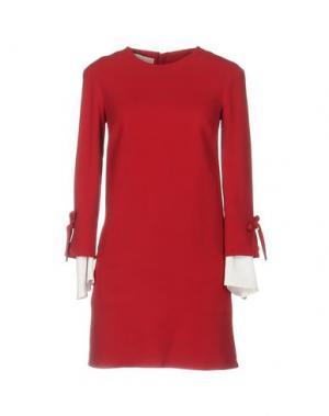 Короткое платье BETTY BLUE. Цвет: красно-коричневый
