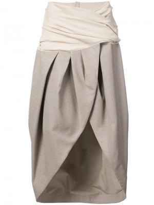 Асимметричная юбка с запахом Jacquemus. Цвет: телесный