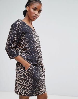 B.Young Платье с леопардовым принтом и поясом на талии. Цвет: рыжий