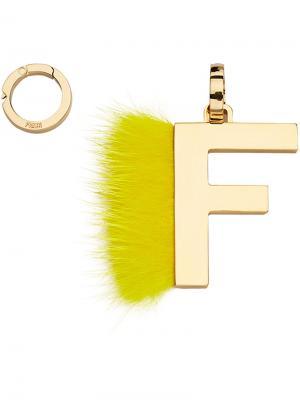 Подвеска в виде буквы F Fendi. Цвет: жёлтый и оранжевый
