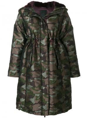 Пальто с завышенной талией и камуфляжным принтом Tatras. Цвет: зелёный