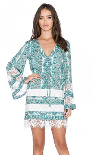 Платье swift The Allflower Creative. Цвет: зеленый