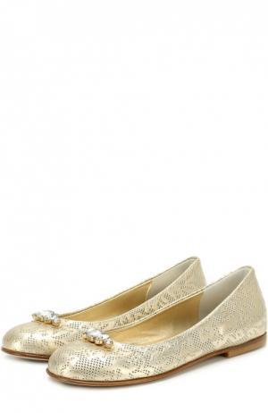 Кожаные балетки с декоративной перфорацией и кристаллами I Pinco Pallino. Цвет: золотой