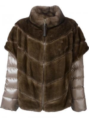 Меховая куртка с дутыми рукавами Liska. Цвет: коричневый