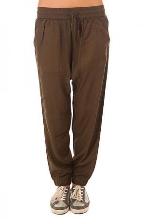 Штаны прямые женские  Wellness Khaki Picture Organic. Цвет: зеленый