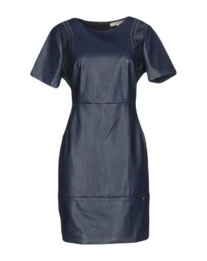 Короткое платье KORALLINE. Цвет: темно-синий