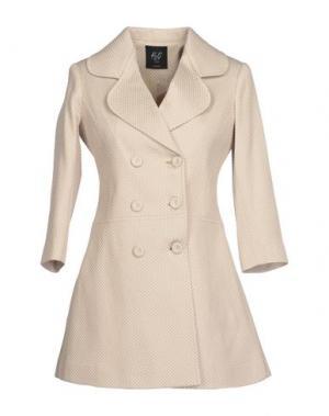 Пальто H²O LUXURY. Цвет: бежевый