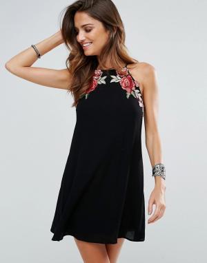 Surf Gypsy Пляжное платье с цветочной аппликацией. Цвет: черный