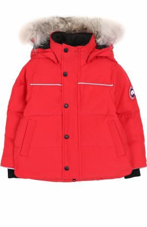Пуховая куртка Snowy Owl с меховой отделкой на капюшоне Canada Goose. Цвет: красный