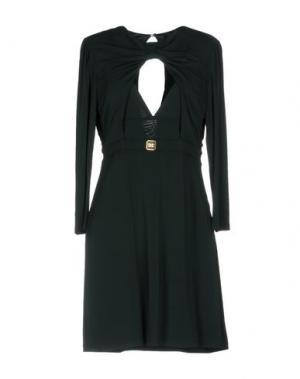 Короткое платье CELYN B.. Цвет: темно-зеленый