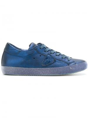 Кроссовки на шнуровке в стиле casual Philippe Model. Цвет: синий