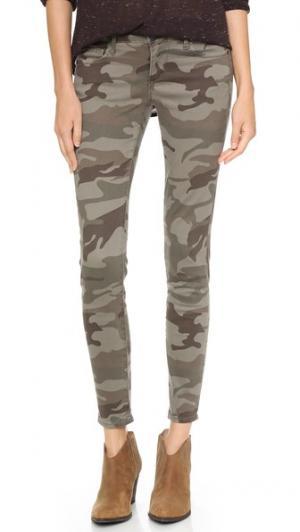 Камуфляжные джинсы скинни Casey True Religion. Цвет: зеленый