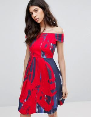 Closet London Платье миди с открытыми плечами и принтом. Цвет: мульти