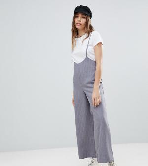 Reclaimed Vintage Укороченные брюки в тонкую полоску с подтяжками Insp. Цвет: серый