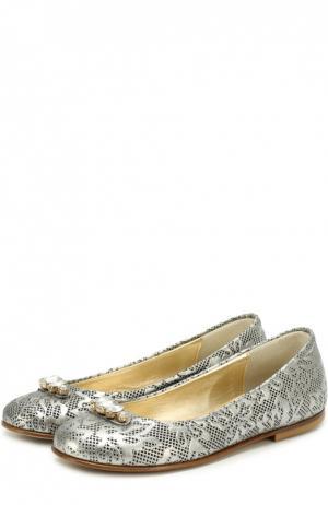 Кожаные балетки с декоративной перфорацией и кристаллами I Pinco Pallino. Цвет: серый