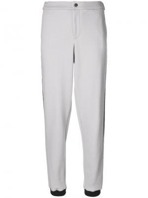 Спортивные брюки с контрастными полосками Jo No Fui. Цвет: серый