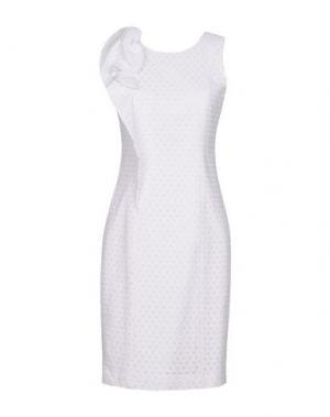 Короткое платье FABRIZIO LENZI. Цвет: белый
