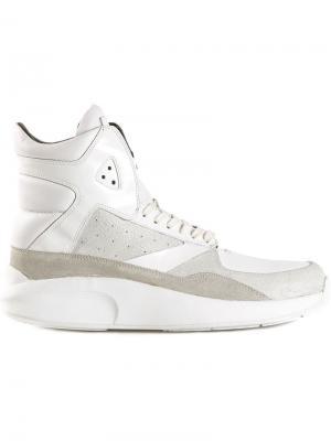 Кроссовки с контрастными панелями Article No.. Цвет: белый