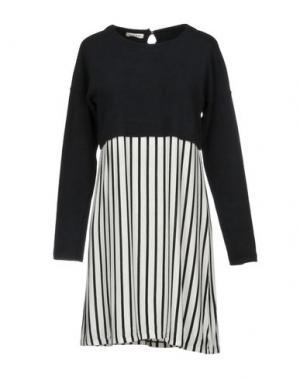 Короткое платье ESSENCE. Цвет: черный