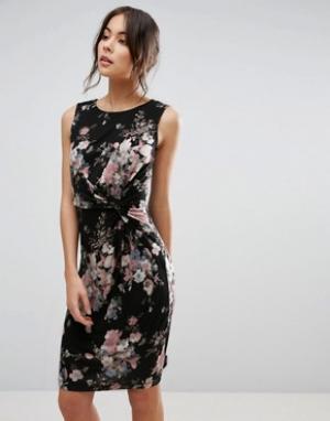 Uttam Boutique Платье с перекрутом на лифе и цветочным принтом. Цвет: черный