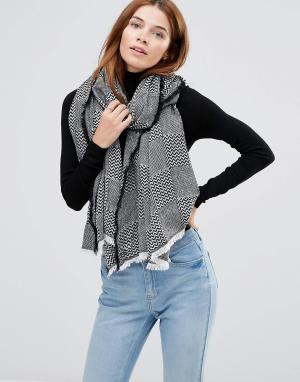 Hat Attack Oversize-шарф с узором в стиле пэтчворк. Цвет: черный