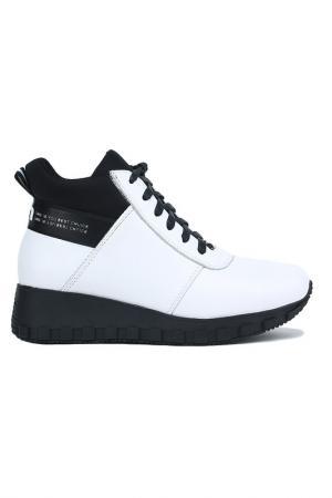 Ботинки NURIA. Цвет: белый