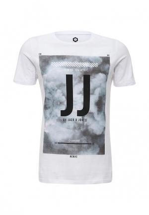 Футболка Jack & Jones. Цвет: белый