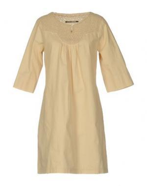 Короткое платье EUROPEAN CULTURE. Цвет: светло-желтый
