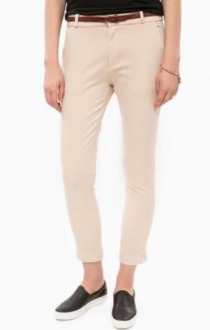 Бежевые брюки чиносы с ремнем ALCOTT. Цвет: бежевый