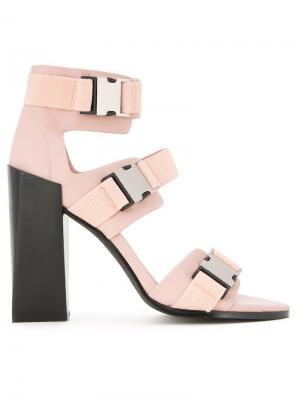 Босоножки Transformer Heel Manning Cartell. Цвет: розовый и фиолетовый