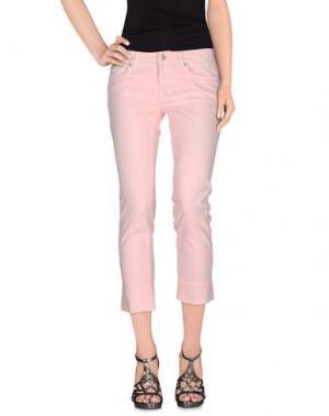 Джинсовые брюки NOTIFY. Цвет: светло-розовый