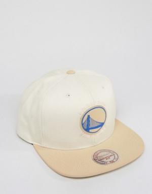 Mitchell & Ness Бейсболка Serve Golden State Warriors. Цвет: stone