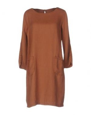 Короткое платье VICOLO. Цвет: верблюжий