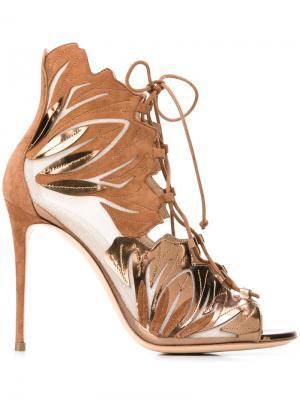 Босоножки на шнуровке Casadei. Цвет: телесный
